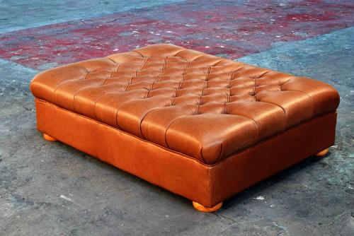 deep-buttoned-leather-ottoman
